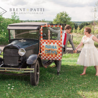 old_truck_wedding_photos